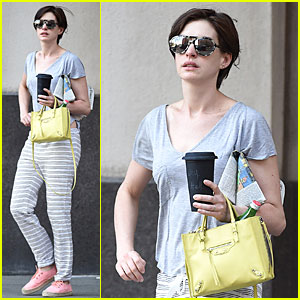 Anne Hathaway Gets Down to Business with Andrew Rannells in 'Intern'!