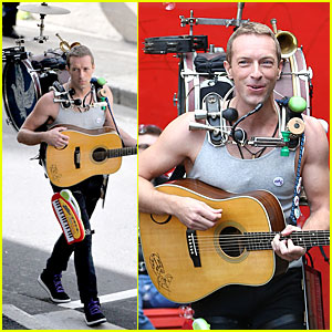 Chris Martin Flaunts Muscles For Coldplay's 'A Sky Full Of Stars' Music Video!