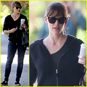 Jennifer Garner: There's a Haze of Denial Over Use of Sunscreen!