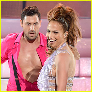 Are Jennifer Lopez & Maksim Chmerkovskiy Dating?
