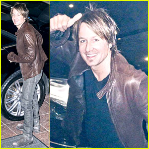 Keith Urban Opens Up About Wife Nicole Kidman On Stage!