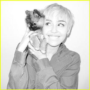 Miley Cyrus Pose