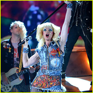 Neil Patrick Harris Performs with 'Hedwig & the Angry Inch' at Tony Awards 2014, Wins Best Actor!