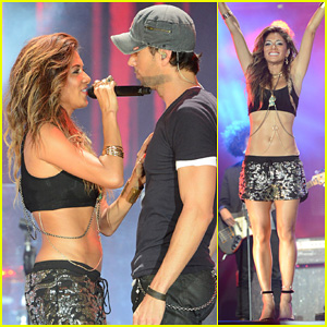 Nicole Scherzinger & Enrique Iglesias Perform Together at Isle of MTV Malta Concert!