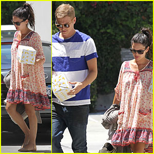 Pregnant Rachel Bilson & Hayden Christensen Make a Cute Birthday Party Pair!