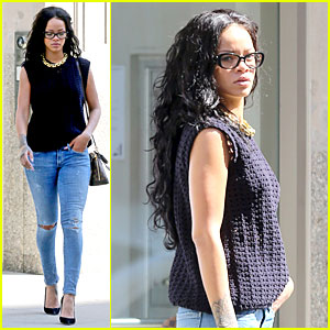 Rihanna Channels Her Inner Geek Before the CFDA Awards