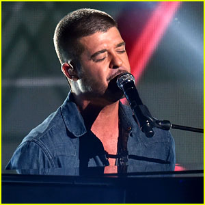 Robin Thicke Sings to Paula Patton at BET Awards 2014: 'I Miss You & I'm Sorry' (Video)