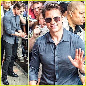 Tom Cruise Says He Watches One Movie Every Day!