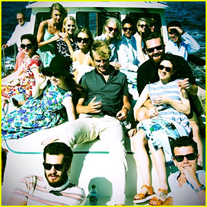 Andrew Garfield & Emma Stone Join Taylor Swift for a Boat Ride!