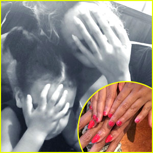 Beyonce & Blue Ivy Get Matchng Red Manicures - See the Pics!