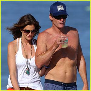 Cindy Crawford & Rande Gerber Are a Beautiful Beach Couple!