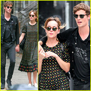 Dakota Johnson Dating Matthew Hitt? See t