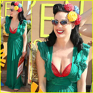 Airport Kia London >> Dita Von Teese Flashes Red Bra in Plunging Green Dress at ...