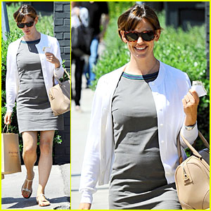 Jennifer Garner & Husband Ben Affleck Crash Detroit Birthday Party
