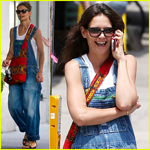 Katie Holmes Reveals What She Likes to Cook for Suri!
