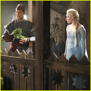More Pics of Frozen's Elsa & Kristoff Have Emerged From 'Once Upon A Time'