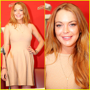 Lindsay Lohan Amazes in Alaia for White Party Press Conference