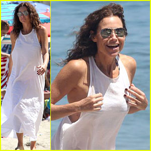 Minnie Driver Spends the Fourth of July at the Beach