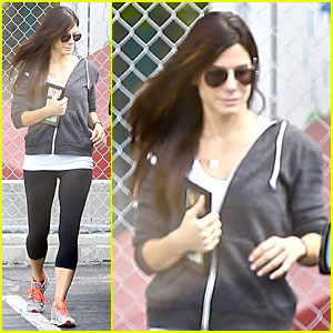 Sandra Bullock Set to Star in Sony's 'Tupperware Unsealed' Adaptation