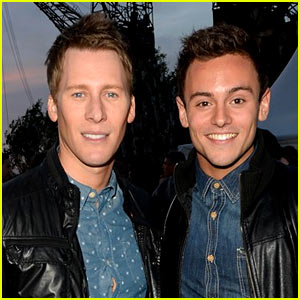 Tom Daley & Dustin Lance Black On Board Plane Making an Emergency Landing in Russia