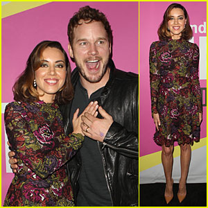 Aubrey Plaza Gets Sweet Support From Chris Pratt at 'Life After Beth' Premiere