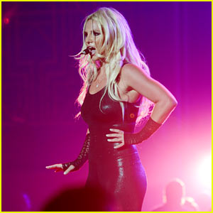 Britney Spears Makes Her Vegas Return & Looks Amazing!