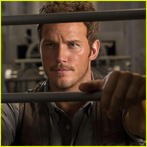 Chris Pratt Looks So Hunky in New 'Jurassic World' Still!