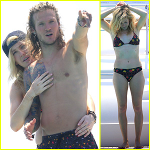 Ellie Goulding & Boyfriend Dougie Poynter Pack on the PDA During Ibiza Vacation