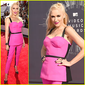Gwen Stefani Brings Her Hot Pink Style to MTV VMAs 2014