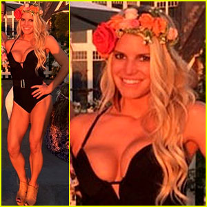 Jessica Simpson's Body Looks Amazing in One-Piece Swimsuit