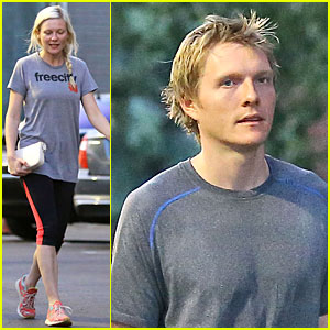 Kirsten Dunst & Brother Christian Grab Groceries Before the Weekend!