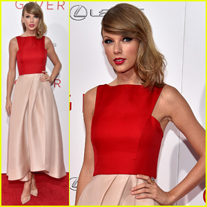 Taylor Swift Wears Her Favorite Color to 'The Giver' NYC Premiere