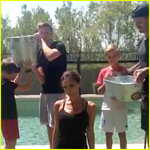 Victoria Beckham's Family Helps Her with the Ice Bucket Challenge