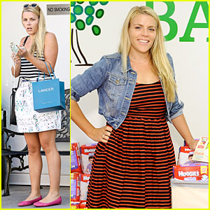 Busy Philipps Gives Out Diapers During Diaper Need Awareness Week