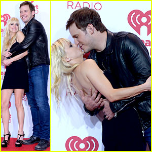 Chris Pratt & Anna Faris Prove They're the Cutest Celeb Couple