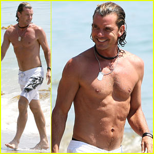 Gavin Rossdale Displays His Washboard Abs at the Beach!
