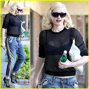 Gwen Stefani Feels 'Hella Good' On 'The Voice' Season 7 Premiere - Watch Now!