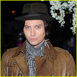 'Twilight' Actor Jackson Rathbone's Plane Makes Emergency Landing After Engine Explodes