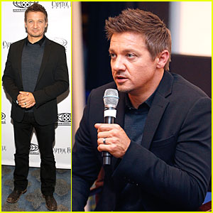 Jeremy Renner Secretly Marries Sonni Pacheco - See His Ring!