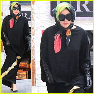 Lady Gaga Sports Hijab & Covers Up Body In Turkey