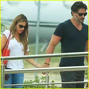 Sofia Vergara & Joe Manganiello Hold Hands After Romantic Mexico Getaway
