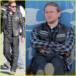 Charlie Hunnam Gears Up for the Final Season of 'Sons of Anarchy'