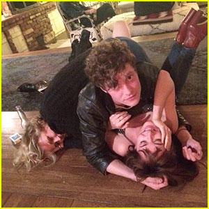 Dakota Johnson & Boyfriend Matthew Hitt Are the Most Adorable Couple in This New Pic!