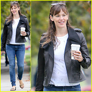 Jennifer Garner Is Waiting To Have the Sex Talk With Her Kids