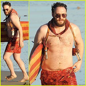 Shirtless Seth Rogen is Locked & Loaded For 'Zeroville' Scenes