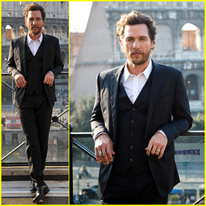 Matthew McConaughey Jets From Paris to Rome for 'Interstellar'