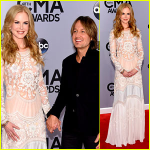 Nicole Kidman Supports Husband Keith Urban at CMA Awards 2014!