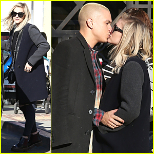 Ashlee Simpson & Evan Ross Kiss & Don't Care Who Sees Them!