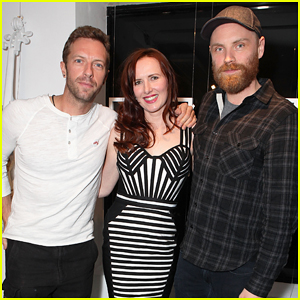 Chris Martin Joins His Coldplay Bandmates at 'Ghost Stories' London Art Exhibition!