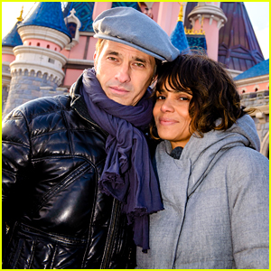 Halle Berry & Husband Olivier Martinez Take Romantic Photos at Disneyland Paris!